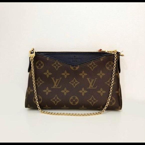62b0991bc86d Louis Vuitton Pallas Clutch